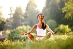 Преимущества включения принципов йоги в массажную практику.